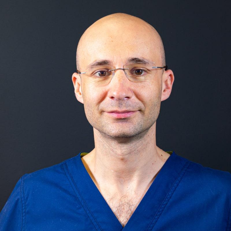 """""""Chirurgul si pacientul sunt parteneri. Ambii trebuie sa se tina de promisiune!"""" – interviu cu Dr. George Stuparu"""